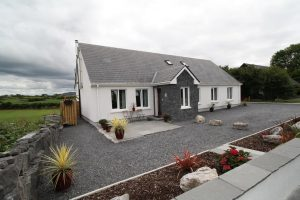 Galway Self Catering - Atlantic Retreat Lodge