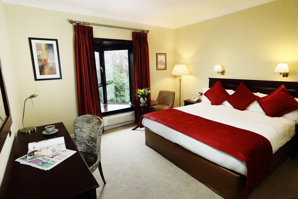 Ardilaun hotel double bedroom