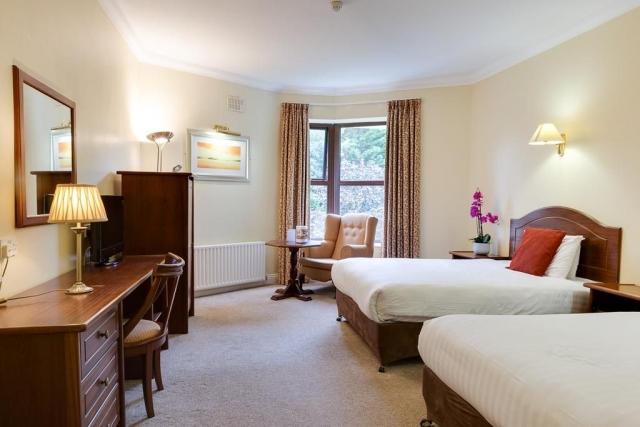 oranmore lodge galway bedroom