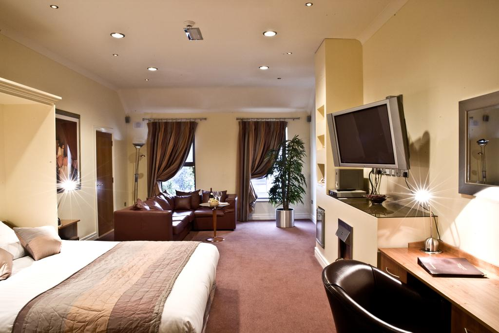 oranmore lodge galway double bedroom