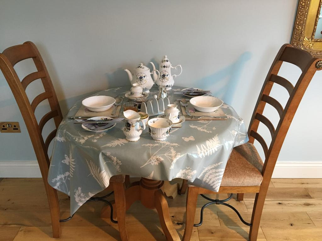 Carraigdun B&B Claregalway breakfast table