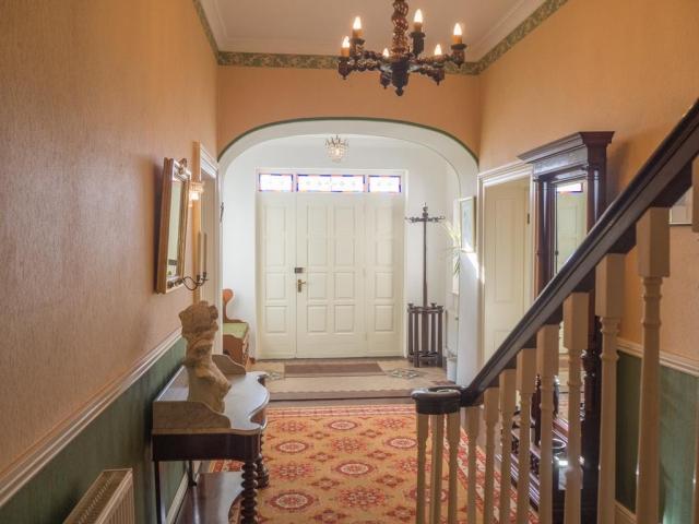 Kill House Clifden hallway