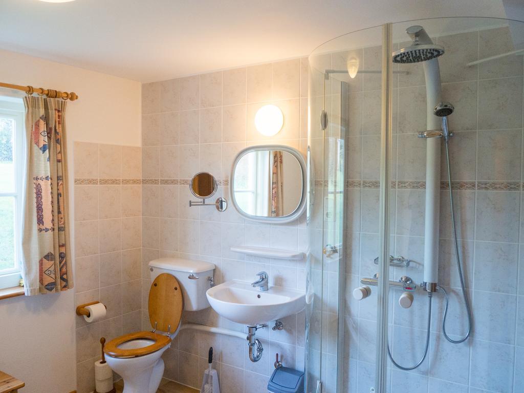 Kill House Clifden bathroom