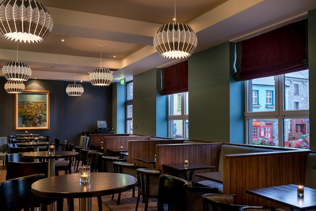 Jurys Inn Galway lounge bar