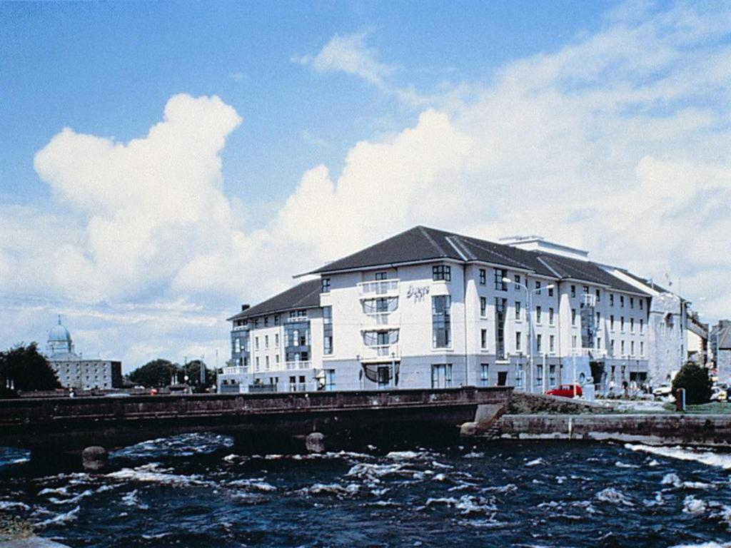 hotels in Galway Bay Ireland - Jurys Inn