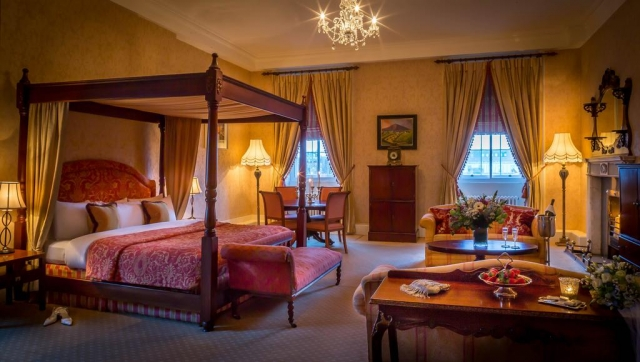four poster at Hardiman Hotel Galway