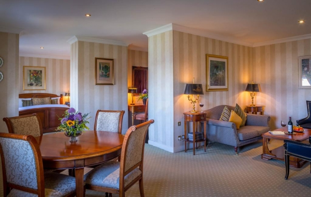 sitting room at hotel meyrick galway