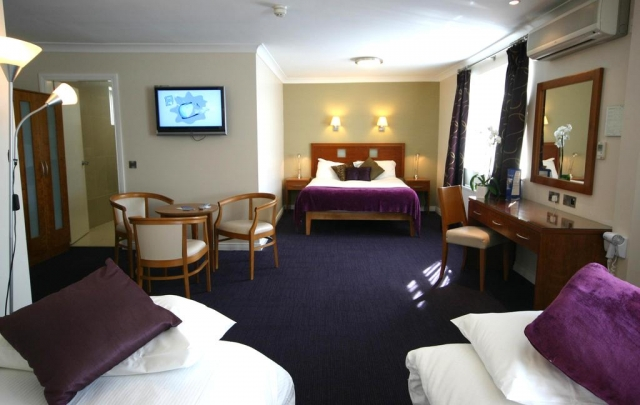 Imperial Hotel 3 star hotel in Eyre Square bedroom