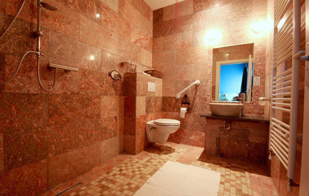 Slieve Aughty eco friendly hotel bathroom